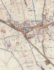 Den gamle vej der passerede bag om kirken og fortsatte skråt over til nuværende Mønvej